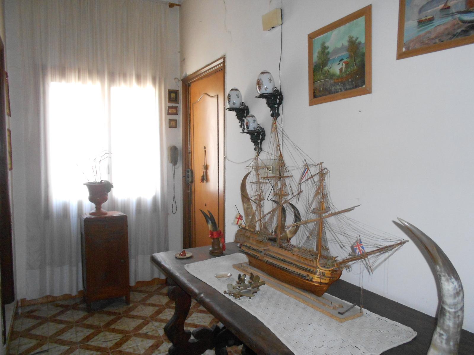 Napoli centro – ad. VIA F. GIRARDI